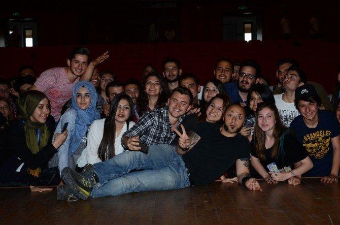 Hayko Cepkin Anadolu Üniversitesi'nde Etkinliğe Katıldı