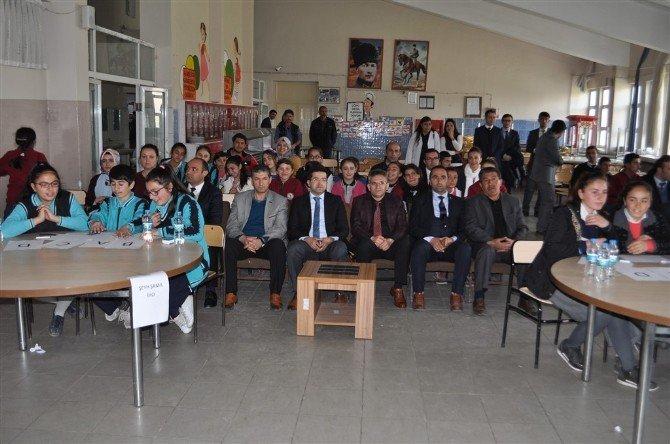 Arpaçay'da Ortaokullar Arası Bilgi Yarışması Yapıldı