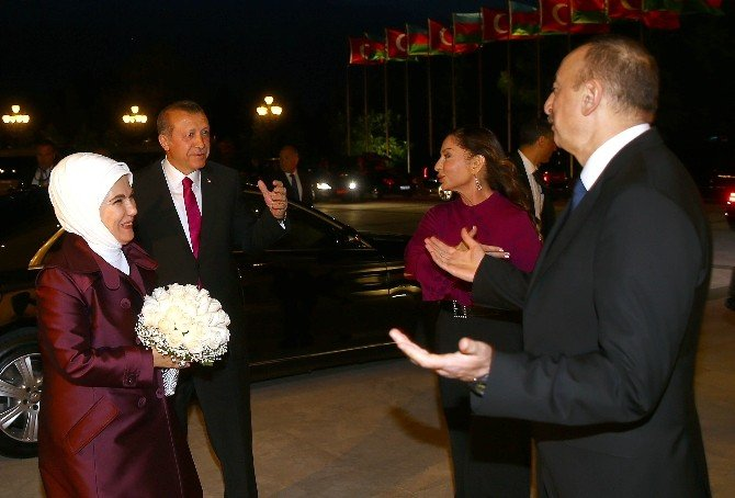 Cumhurbaşkanı Erdoğan Aliyev'le Bir Araya Geldi