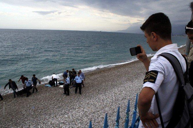 20 Yaşındaki Kayıp Gencin Cesedi Kıyıya Vurdu