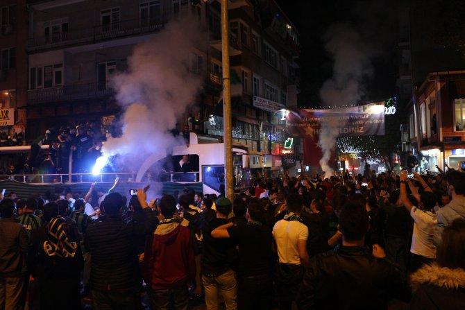 Kocaelispor'da profesyonel lig coşkusu yaşanıyor