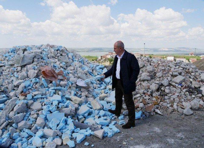 Göl Havzası'na Dökülen Molozlar Büyükçekmece Gölü'nü Tehlikeye Sokuyor