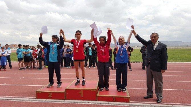 Burhaniye'de Özel Sporcular Şampiyon Oldu