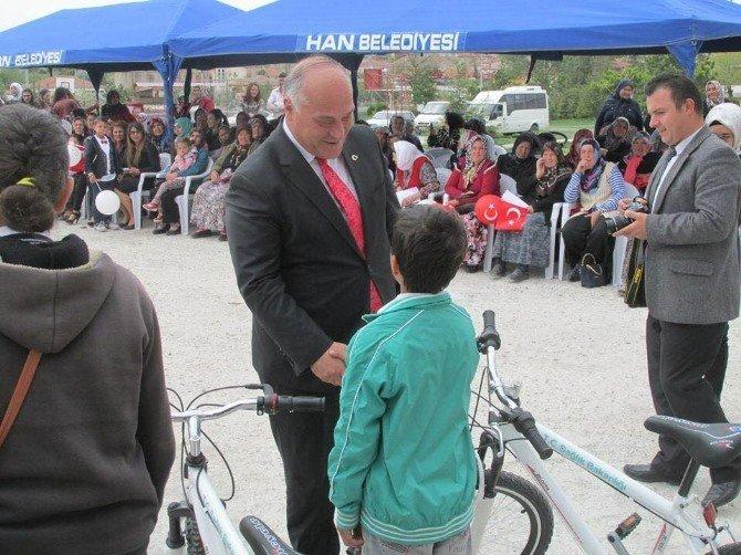 Han'da Çocukların Bisiklet Sevinci