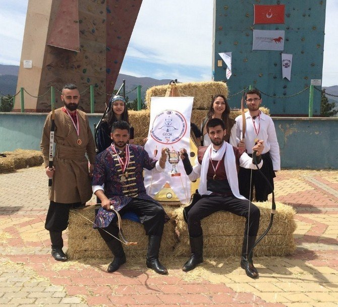 ESOGÜ Geleneksel Türk Okçuluğu Kulübü Başarılarını Sürdürüyor
