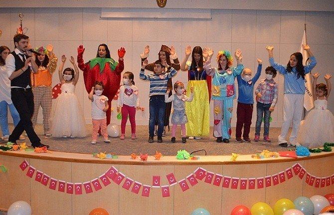 ESOGÜ'de Tedavi Gören Çocuklar İçin 23 Nisan Kutlaması Düzenlendi