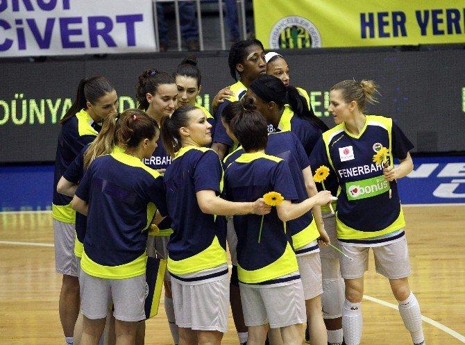 Fenerbahçe Kadın Basketbol Takımı Yarı Final Serisi İkinci Maçına Çıkıyor