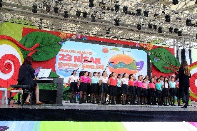 İsmail Baha Sürelsan Konservatuvarı Çocuk Korosu EXPO'yu Coşturdu