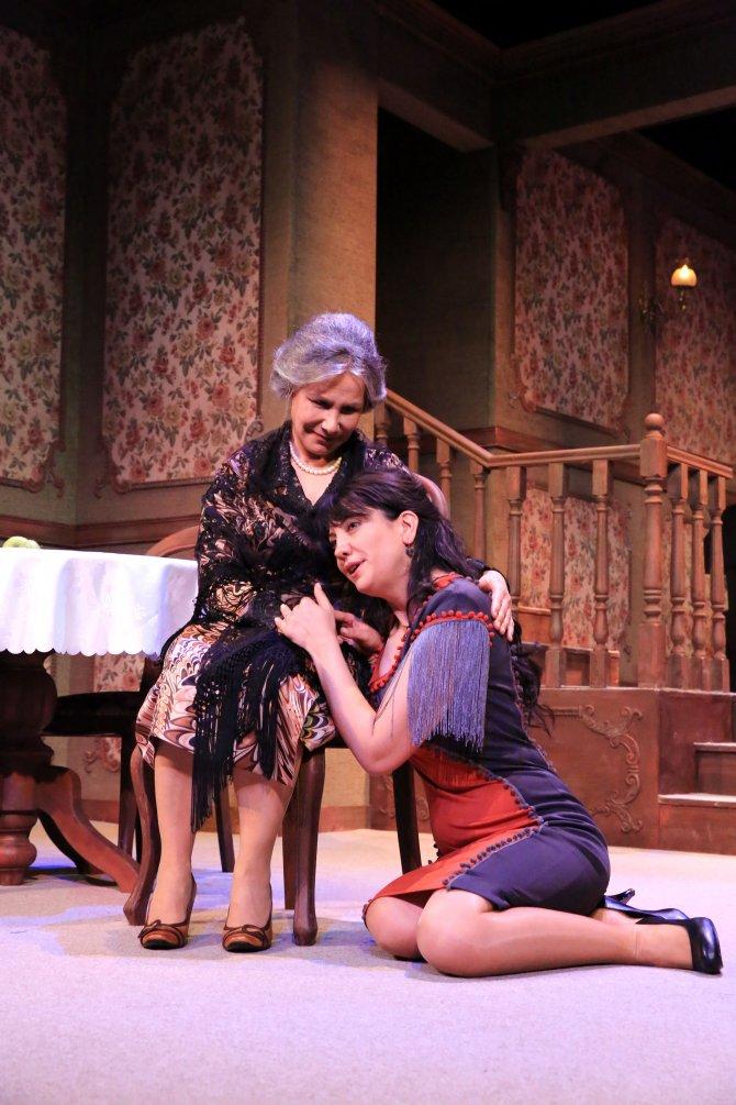 'Ağaçlar Ayakta Ölür' tiyatro oyunu Kahramanmaraş'ta sahnelenecek