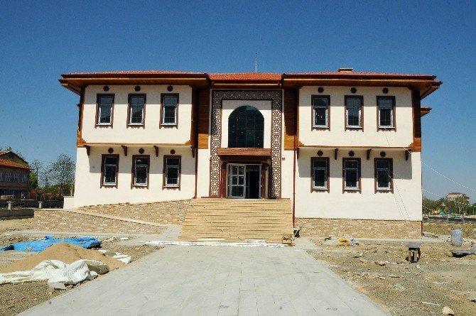 Milletvekili Baloğlu Ve Başkan Akkaya Asem İnşaatını Gezdi
