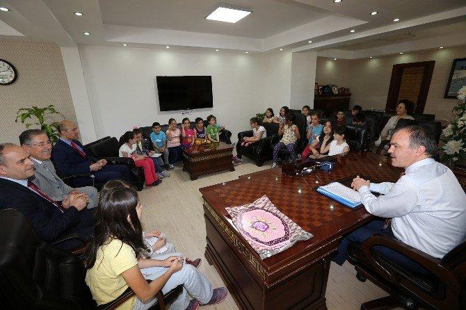 Başkan Gürlesin Öğrencilere Yerel Yönetim Dersi Verdi