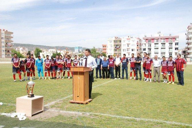 Şampiyon Medcem Silifke Belediyespor Kupa Sevincini Taraftarlarıyla Paylaştı