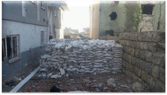 Teröristlerin binalarda tuzakladığı patlayıcılar imha edildi