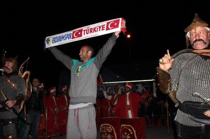 Şampiyon Bb Erzurum Spor'a Mehterli Karşılama