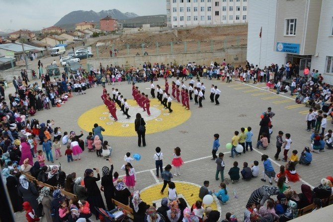 Tatvan'da 23 Nisan Etkinliği Düzenlendi