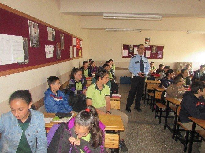Trafik Polislerinden Öğrencilere Trafik Eğitimi