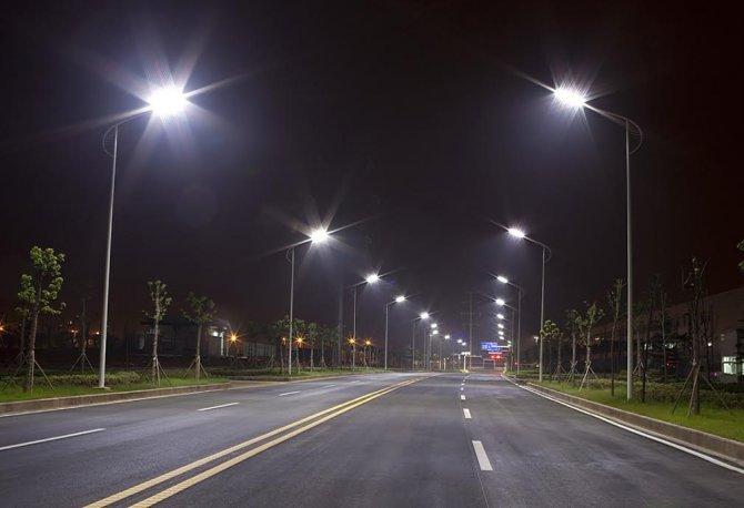 Trafik canavarına karşı led aydınlatmalı akıllı yollar geliyor