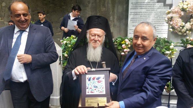 Türk Kızılayı'nın kurucularından Marko Paşa, mezarı başında anıldı