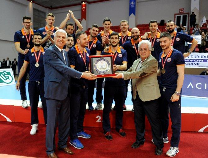 Voleybol'da 2015-2016'nın enleri, ödüllerini aldı