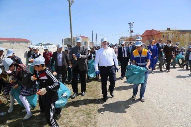 Tuşba Belediyesi'nden 'Temiz Çevre, Temiz Toplum' Kampanyası