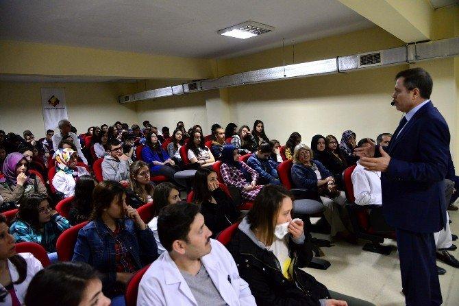 Rektör Çelik, Özel Uşak Final Temel Lisesi Kariyer Günlerine Katıldı