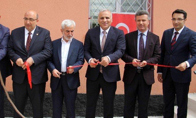 Elazığ'da 8 Yeni Ambulans İle Yeni İstasyon Hizmete Girdi