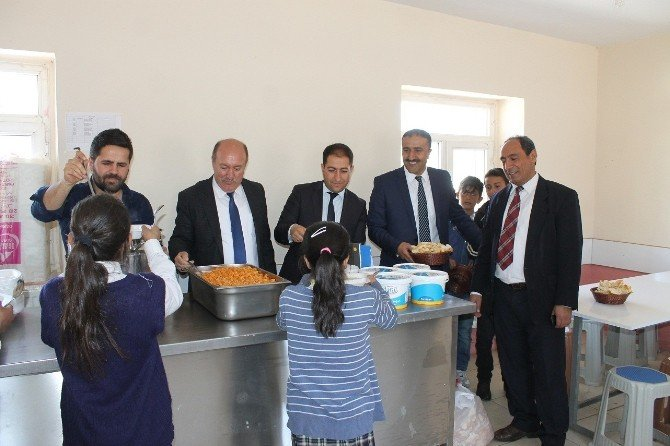 Varto Mem Müdürü Tetkiner, Taşımalı Eğitim Gören Öğrencilerin Yemeklerini Denetledi
