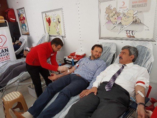 Başkanlar Kan Bağışında Bulundu
