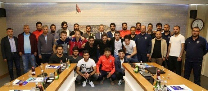 3. Lig'e Yükselen Elaziz Belediyespor, Başkan Yanılmaz'ı Ziyaret Etti