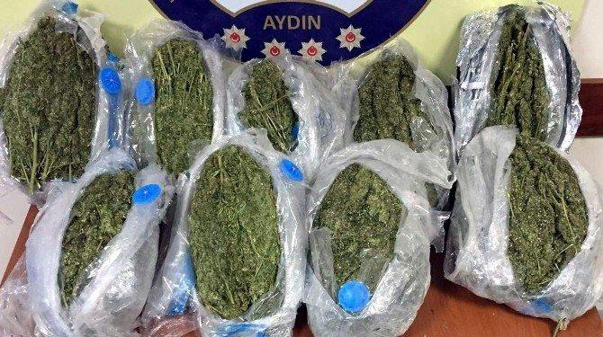 Tampona Gizlenen 12 Kilo Esrarı Narkotik Köpeği Buldu
