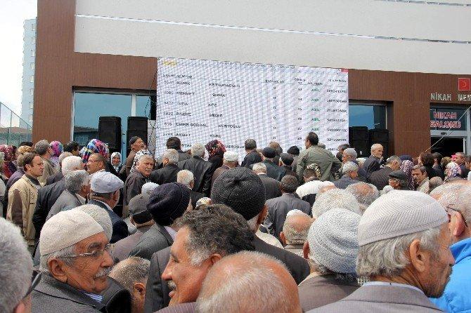 TOKİ'de Emeklilere Yapılacak 200 Konut İçin Kura Çekildi