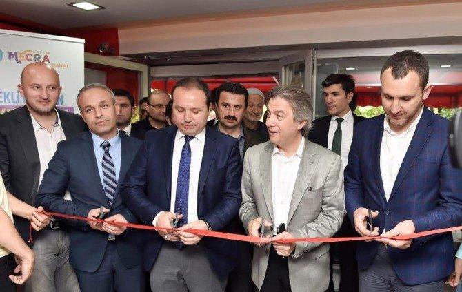 'Yetenekli Ellerin Farkındayız' Sergisi Beyoğlu'nda Açıldı