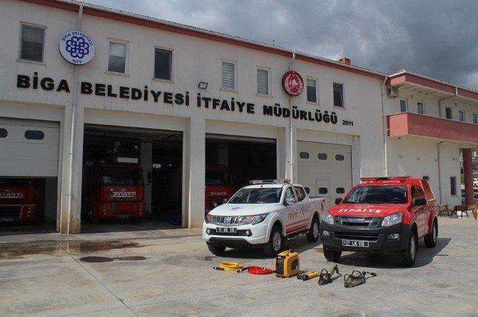 Biga İtfaiye Müdürlüğü'ne Hizmet Aracı Ve Kaza Kırım Malzemeleri Alındı