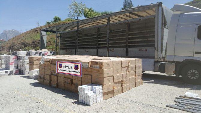Bitlis'te 294 bin 600 paket kaçak sigara ele geçirildi