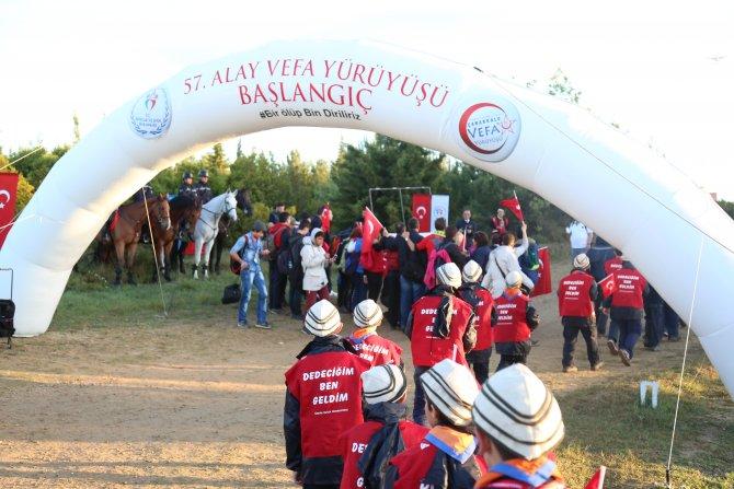 İzcilerden Çanakkale'de 57. Alay için vefa yürüyüşü