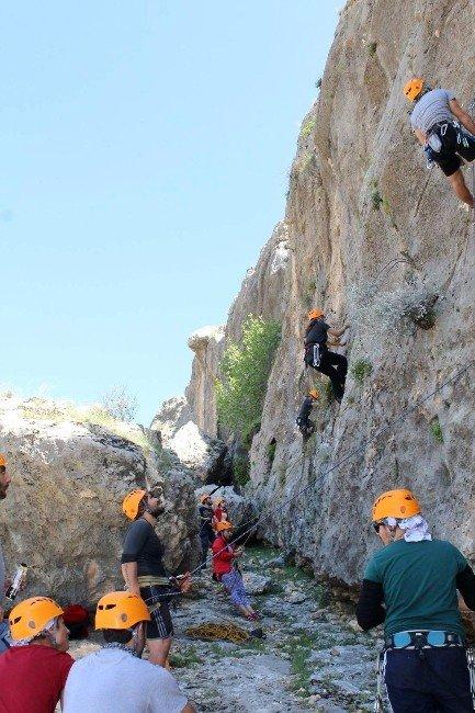 Güdat Üyeleri İleri Kaya Eğitim Kampını Tamamladı