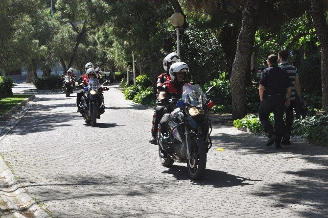 İzmir Polisinden Dev Tatbikat