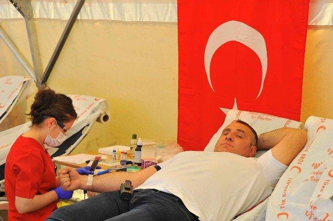 Sakarya Üniversitesi'nde Kan Bağışı