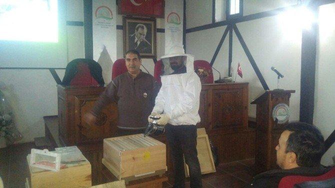 Kastamonu'da Arı Yetiştiriciliği Kursu Sona Erdi