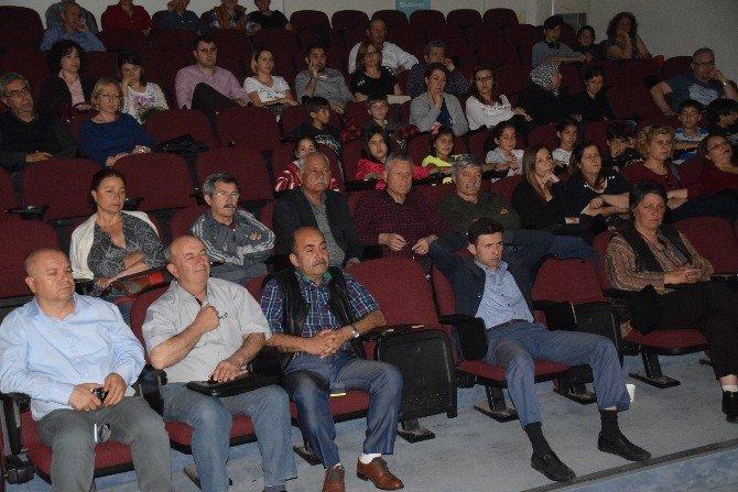 Kara Atlas Filmi Aliağa'da Gösterime Sunuldu