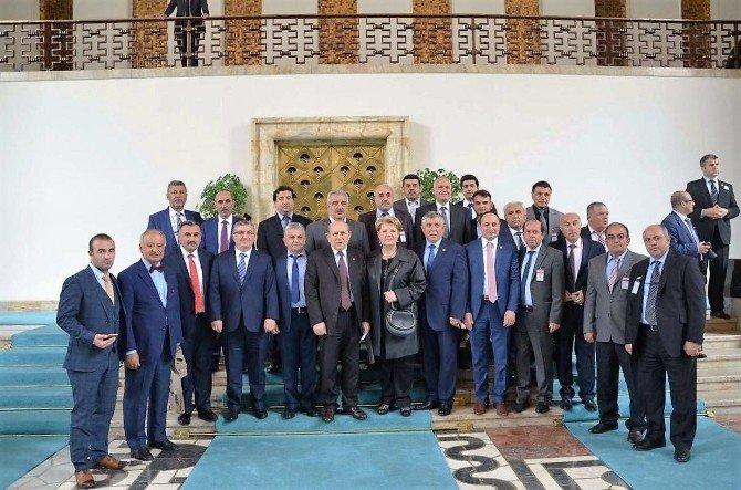 AK Parti Kayseri Milletvekili Sami Dedeoğlu Ve Beraberindeki Heyet Başbakan Ahmet Davutoğlu Tarafından Kabul Edildi