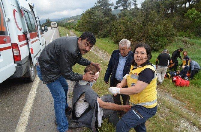 Panelvan İle Otomobil Kafa Kafaya Çarpıştı: 3 Yaralı