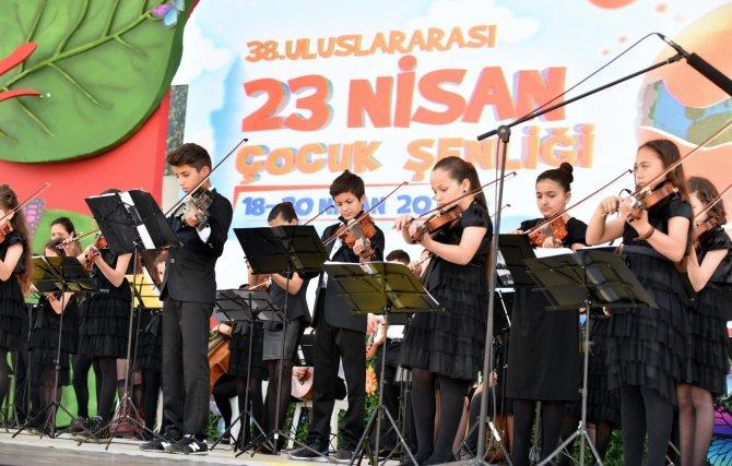 Kepezli çocuklardan dünya çocuklarına konser