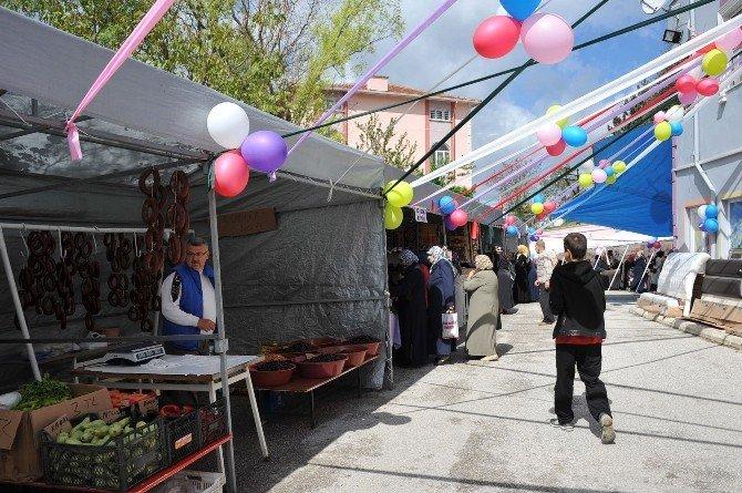 Bozüyük'te Kız Öğrenci Yurdu Yararına Kermes Açıldı