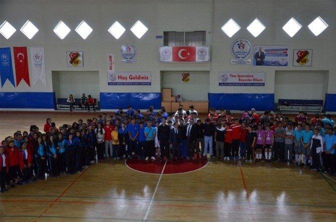 Malatya'da Hokey Grup Müsabakaları Heyecanı