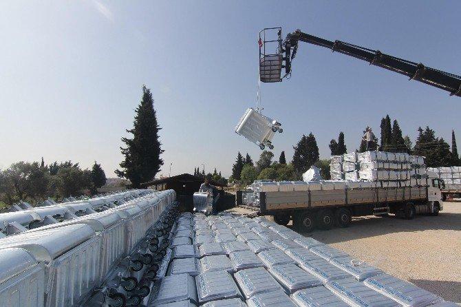Menderes'e Yeni Çöp Konteynerleri
