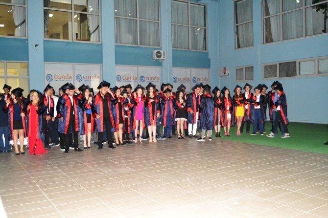 Ayvalık'ta Cunda Mesleki Teknik Anadolu Lisesinde Mezuniyet Coşkusu