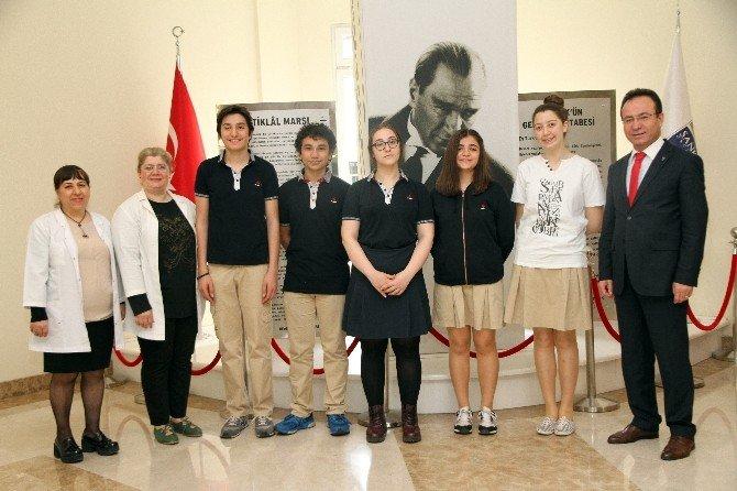 Özel Sanko Liseleri Münazara Takımı Finallerde