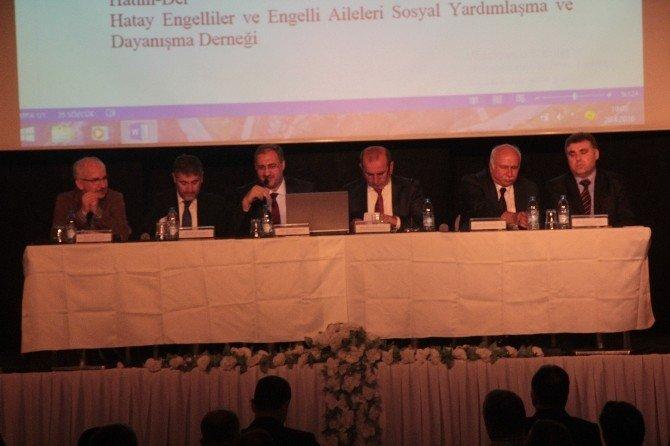 """Hatay'da """"Yeni Anayasa Ve Başkanlık Sistemi"""" Paneli"""