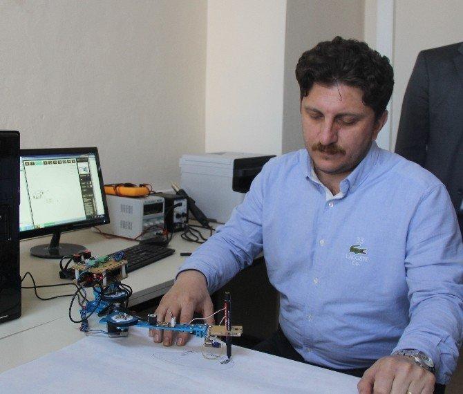Rize'de Bir Lise Geliştirdiği Robot Teknolojileri İle Üniversitelere Rakip Oldu